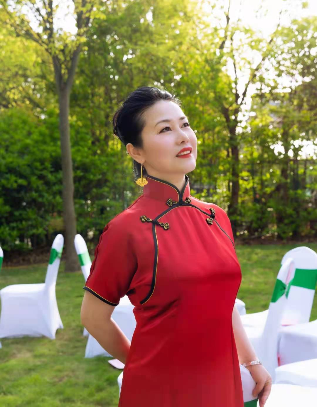 人间四月天,最美湘姝情——来吧!上海湖南女企业家协会就是我们的家..